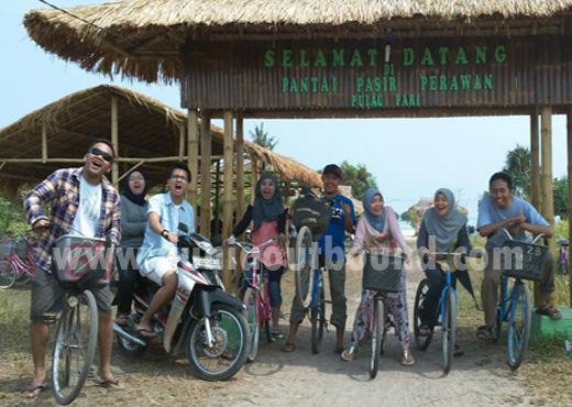 sepeda di pulau pari, outbound pulau pari, pantai perawan
