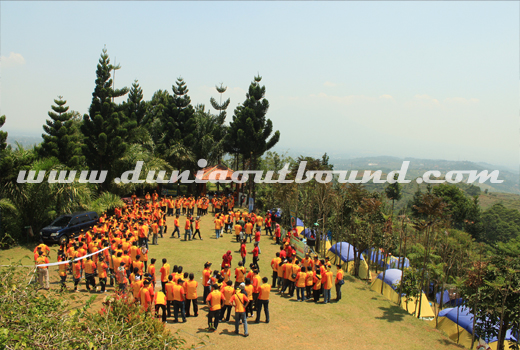 lokasi outbound, kampung awan, mega mendung, lokasi outbound puncak, arung jeram, flting fox