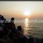 sunset di lokasi outbound pulau putri