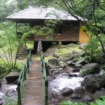 villa kayu curug cilember, outbound puncak, outbound satu hari