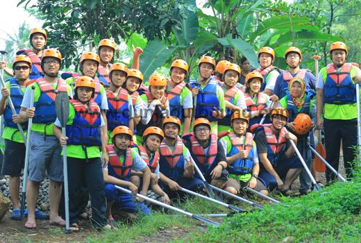 Arung Jeram / Rafting di Puncak, Bogor