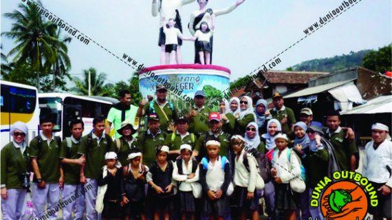 Outbound di Baduy Mengenal Kearifan Lokal Suku Baduy